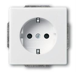 Розетка SCHUKO 16А 250В с защитными шторками,ABB, серия solo/future, цвет Белый - фото 4576