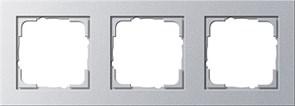 Обладающая повышенной прочностью Рамка трехместная Gira E2 Алюминий